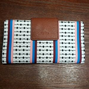 Fossil wallet- New with tags